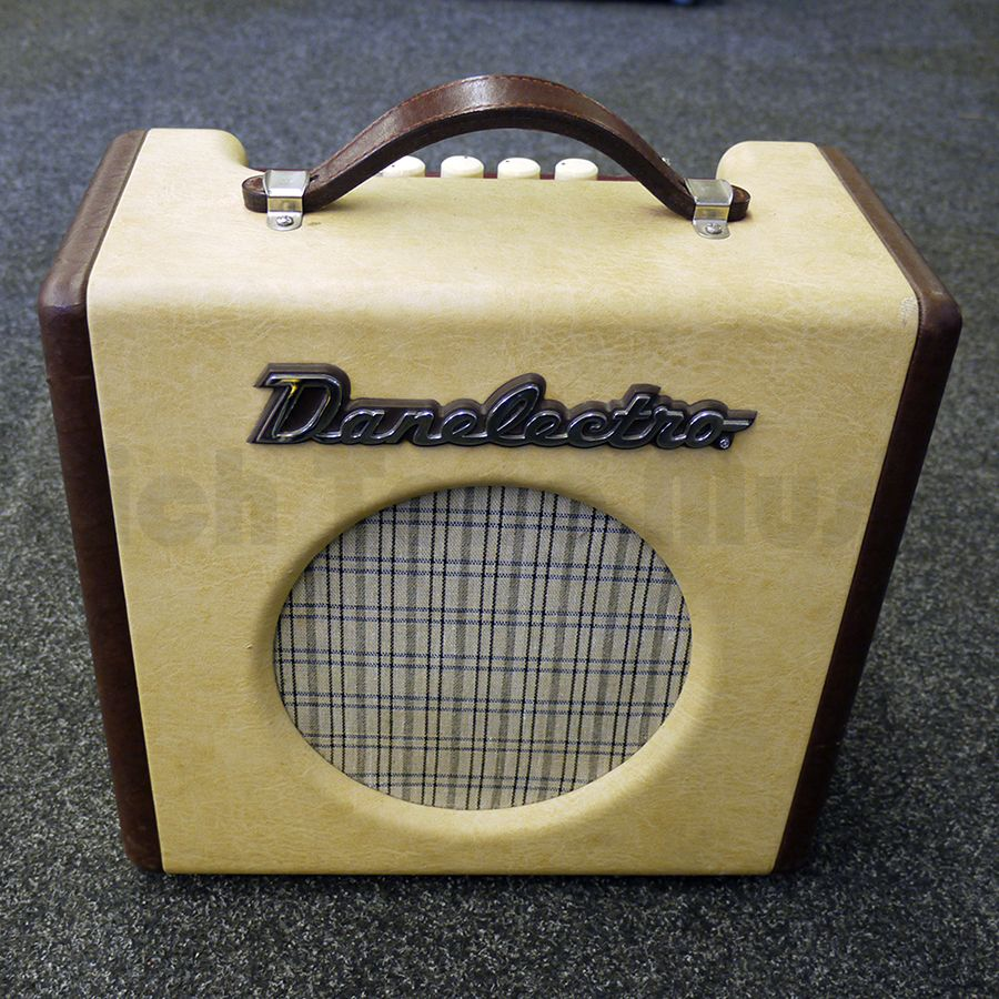 danelectro nifty fifty guitar amplifier 2nd hand rich tone music. Black Bedroom Furniture Sets. Home Design Ideas