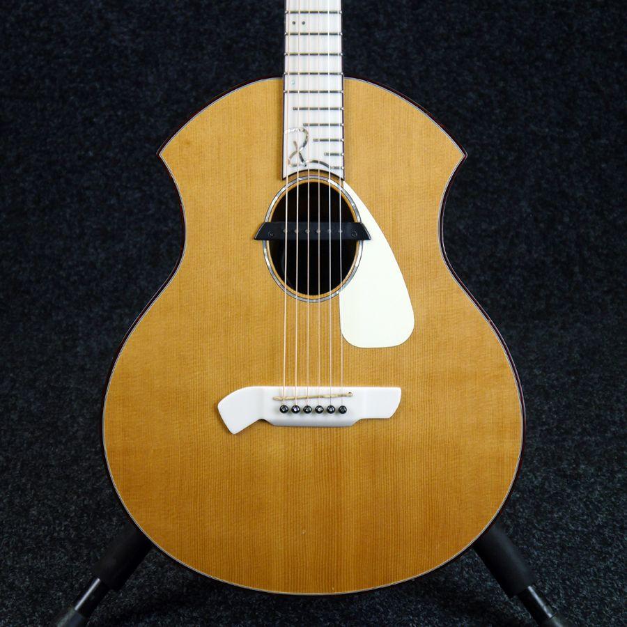 parker 2nd hand acoustic guitars rich tone music. Black Bedroom Furniture Sets. Home Design Ideas