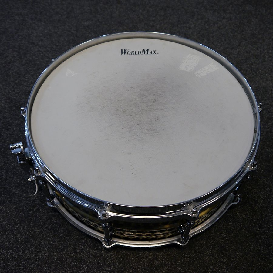 worldmax brass hammered snare drum 2nd hand rich tone music. Black Bedroom Furniture Sets. Home Design Ideas