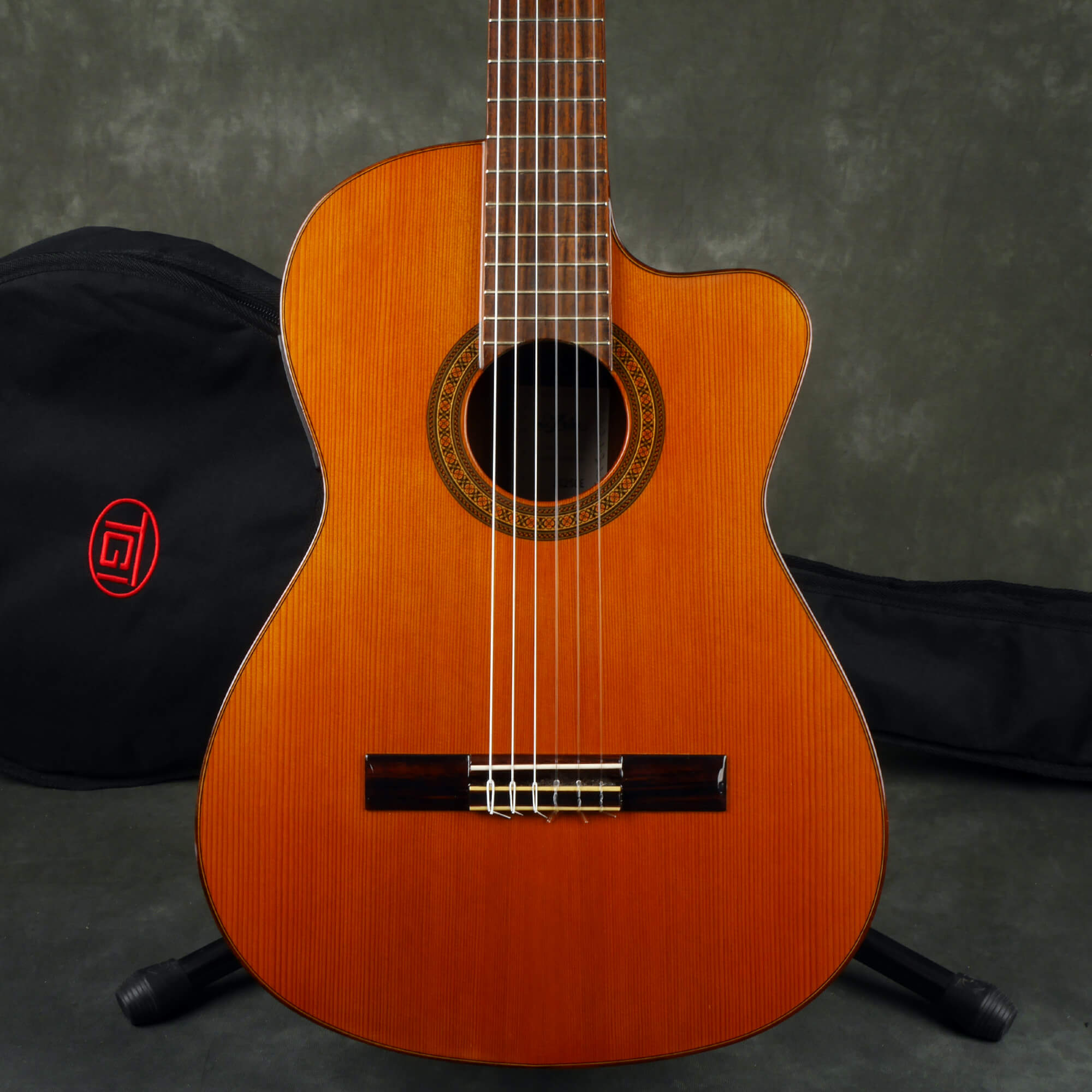 Aria Concert AC-25CE Electro-Classical Guitar, Made In Spain w/Bag - 2nd Hand