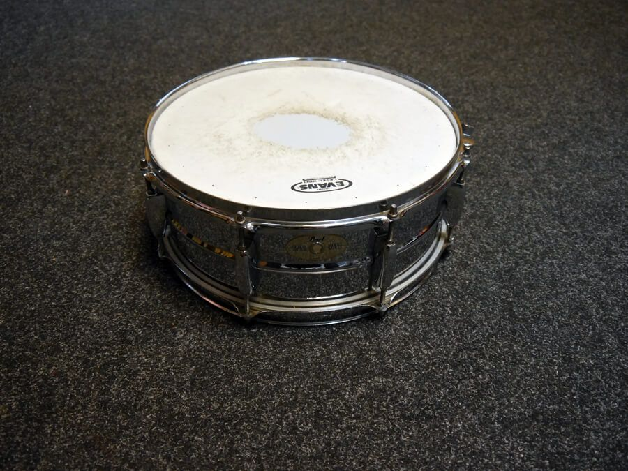 pearl mirror chrome snare drum 2nd hand rich tone music. Black Bedroom Furniture Sets. Home Design Ideas