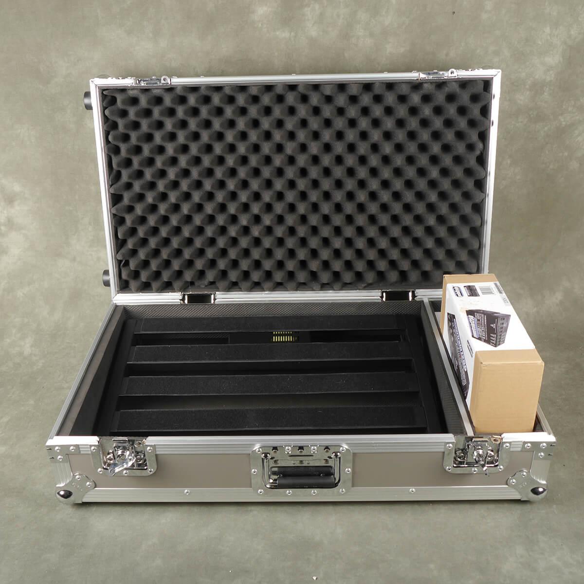 Pedaltrain PT3 with Flight Case and Powertrain 1250 PSU - 2nd Hand