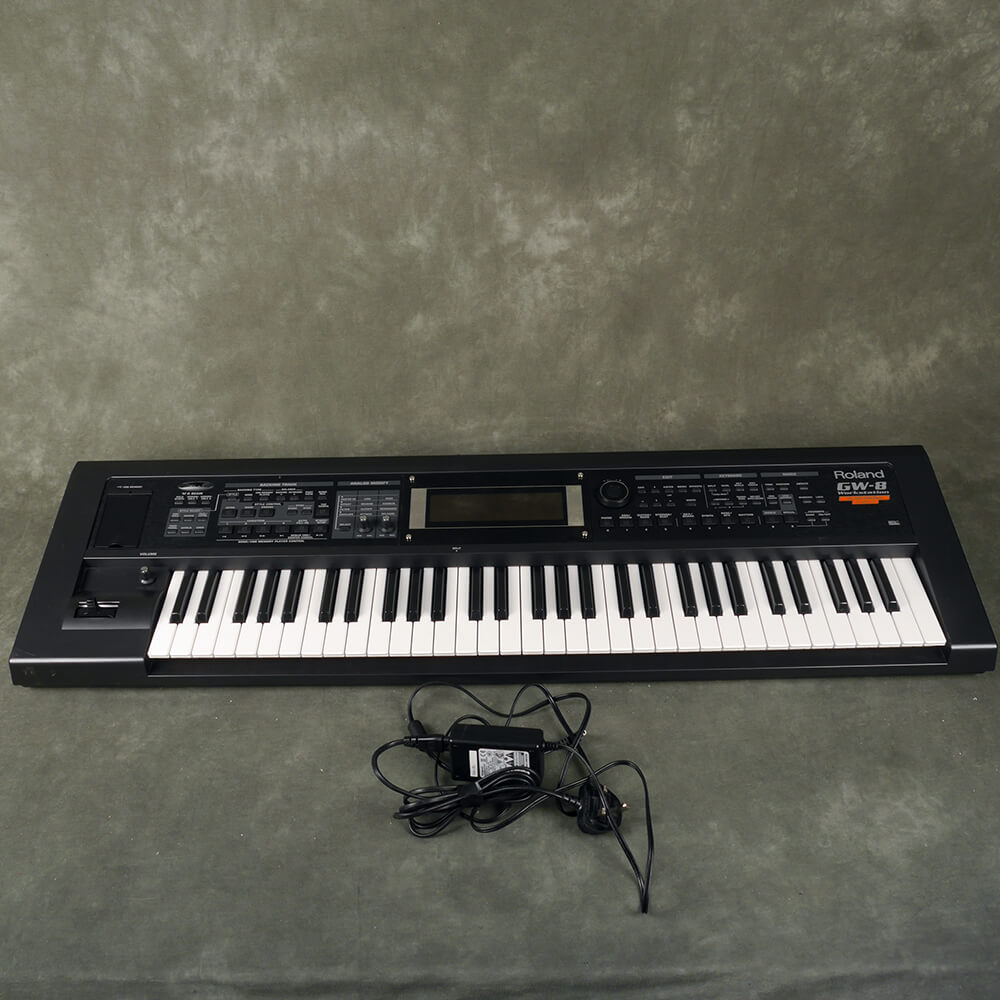 Roland GW-8 Workstation with Latin Collection V2 - 2nd Hand