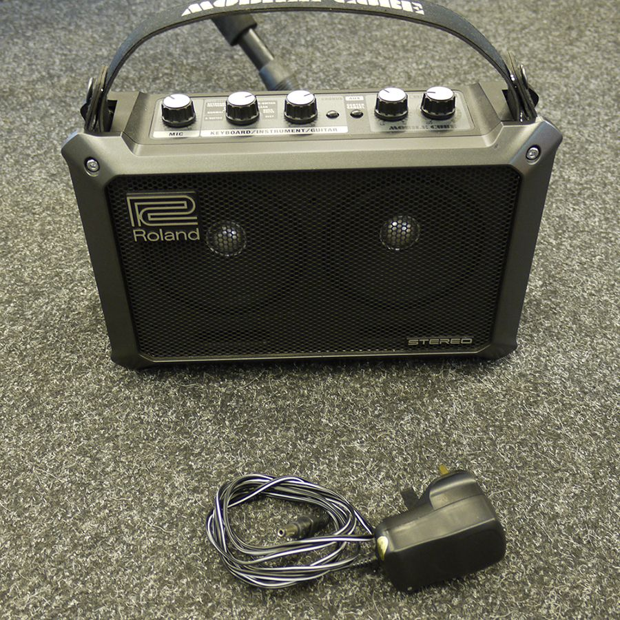 roland mobile cube ac amplifier 2nd hand rich tone music. Black Bedroom Furniture Sets. Home Design Ideas