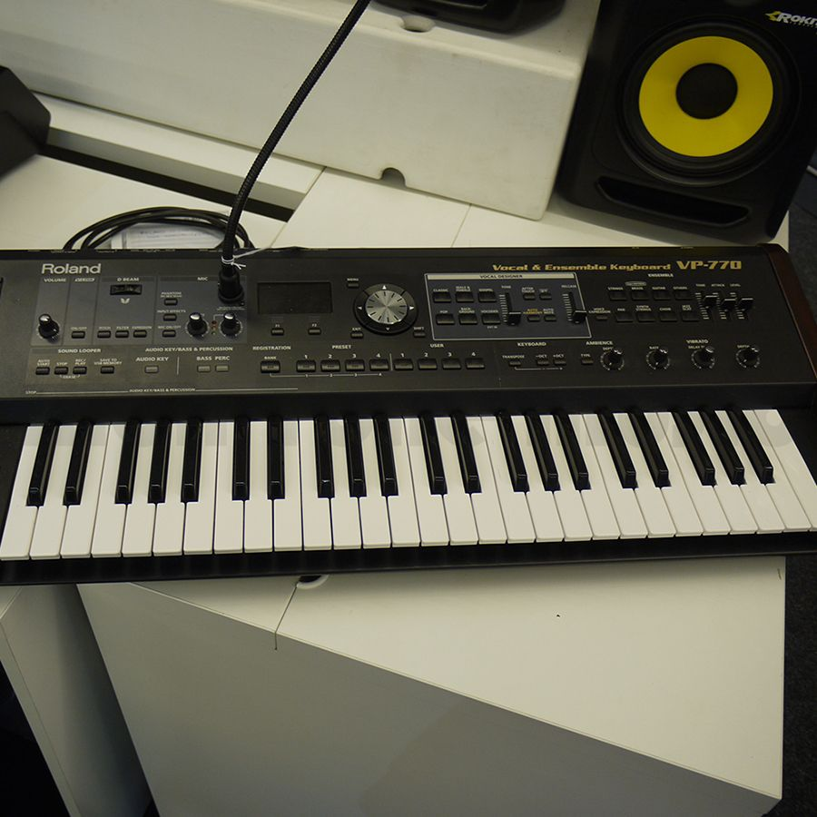Roland VP770 Vocal And Ensemble Keyboard