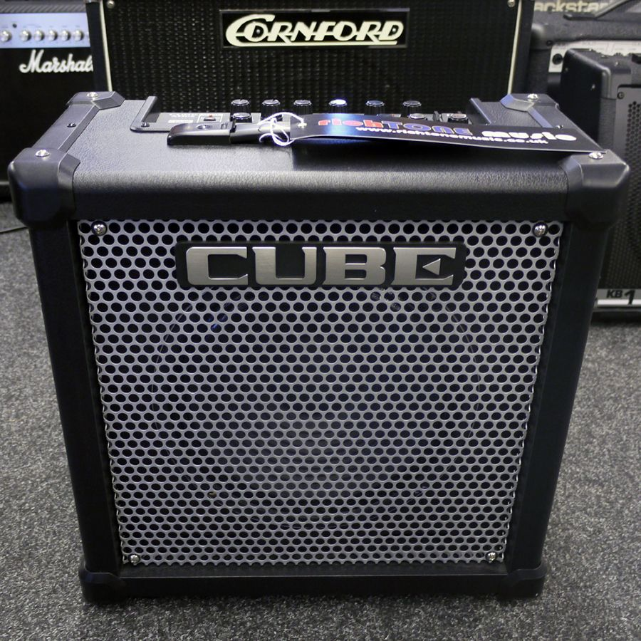 roland cube 40gx combo amplifier 2nd hand rich tone music. Black Bedroom Furniture Sets. Home Design Ideas