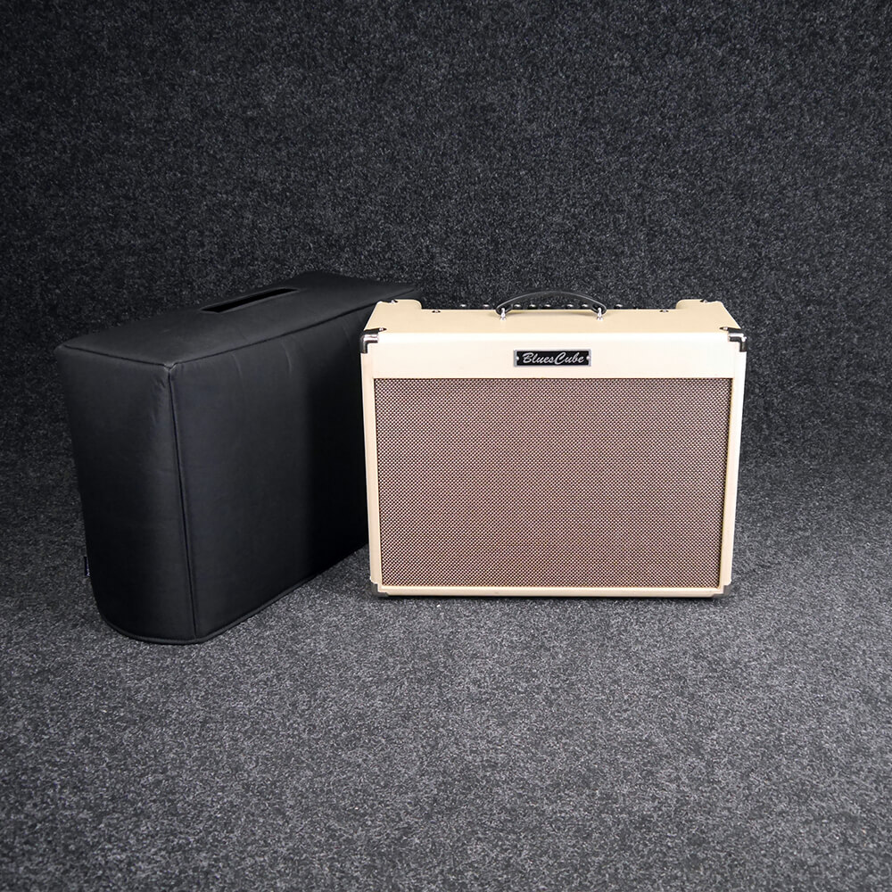 roland blues cube artist combo amp w cover 2nd hand rich tone music. Black Bedroom Furniture Sets. Home Design Ideas