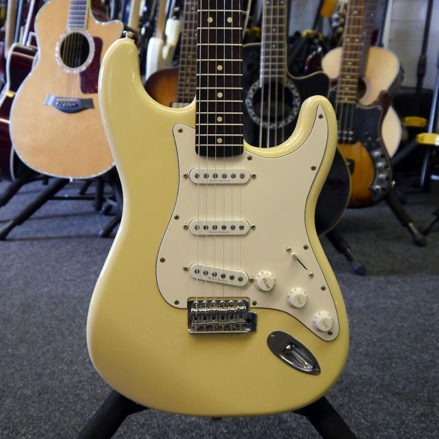 squier deluxe stratocaster rw white 2nd hand rich tone music. Black Bedroom Furniture Sets. Home Design Ideas