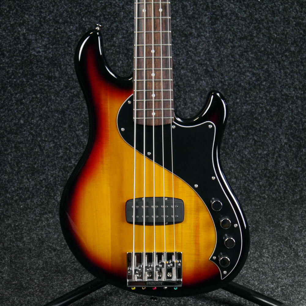 second hand bass guitars rich tone music. Black Bedroom Furniture Sets. Home Design Ideas