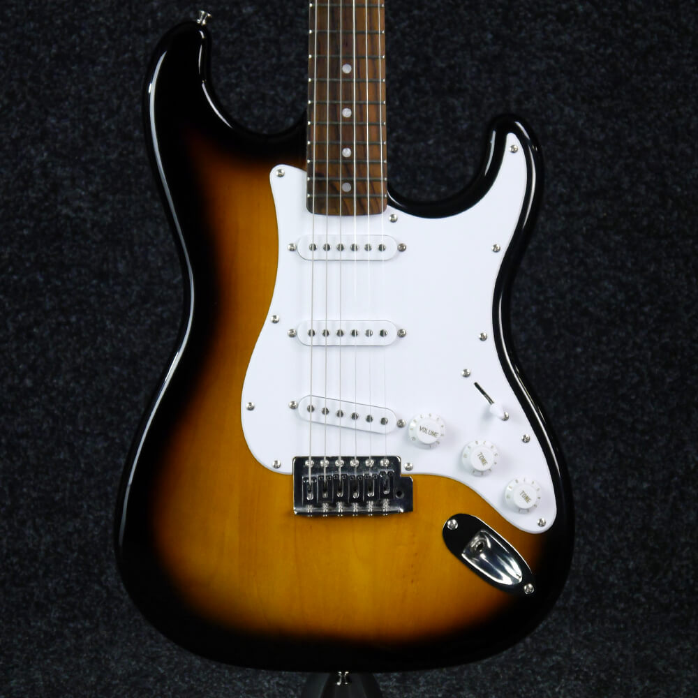 fender starcaster strat electric guitar sunburst 2nd hand rich tone music. Black Bedroom Furniture Sets. Home Design Ideas