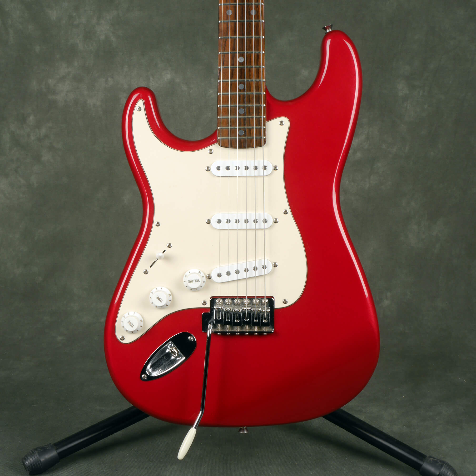 Squier Standard Series Stratocaster - Left Hand - Red - 2nd Hand
