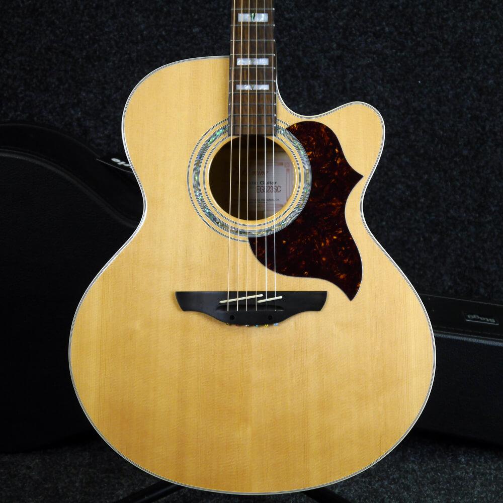 Takamine EG523SC Acoustic Guitar w/Hard Case - 2nd Hand