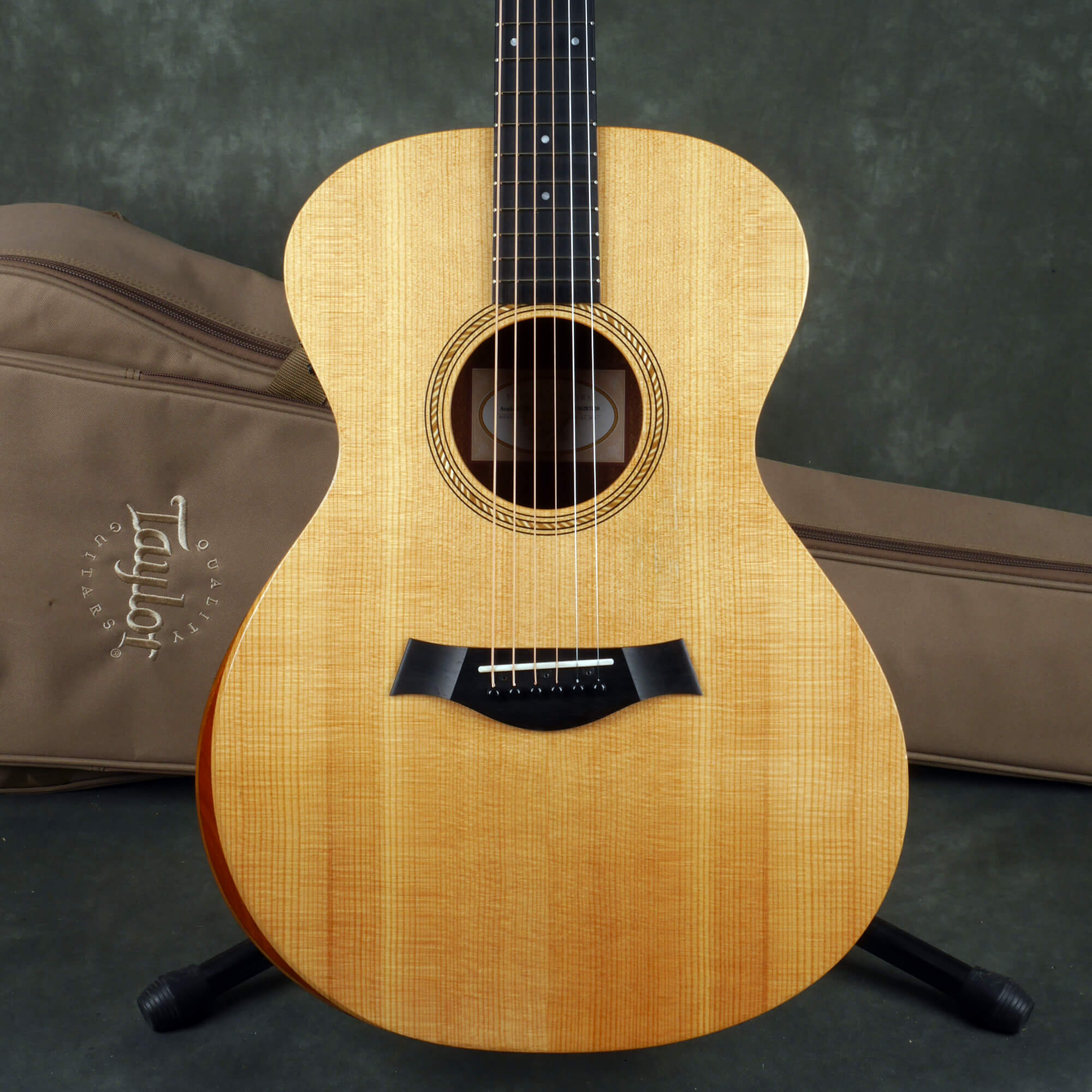 Taylor Academy 12e Electro-Acoustic Guitar - Natural w/Gig Bag - 2nd Hand