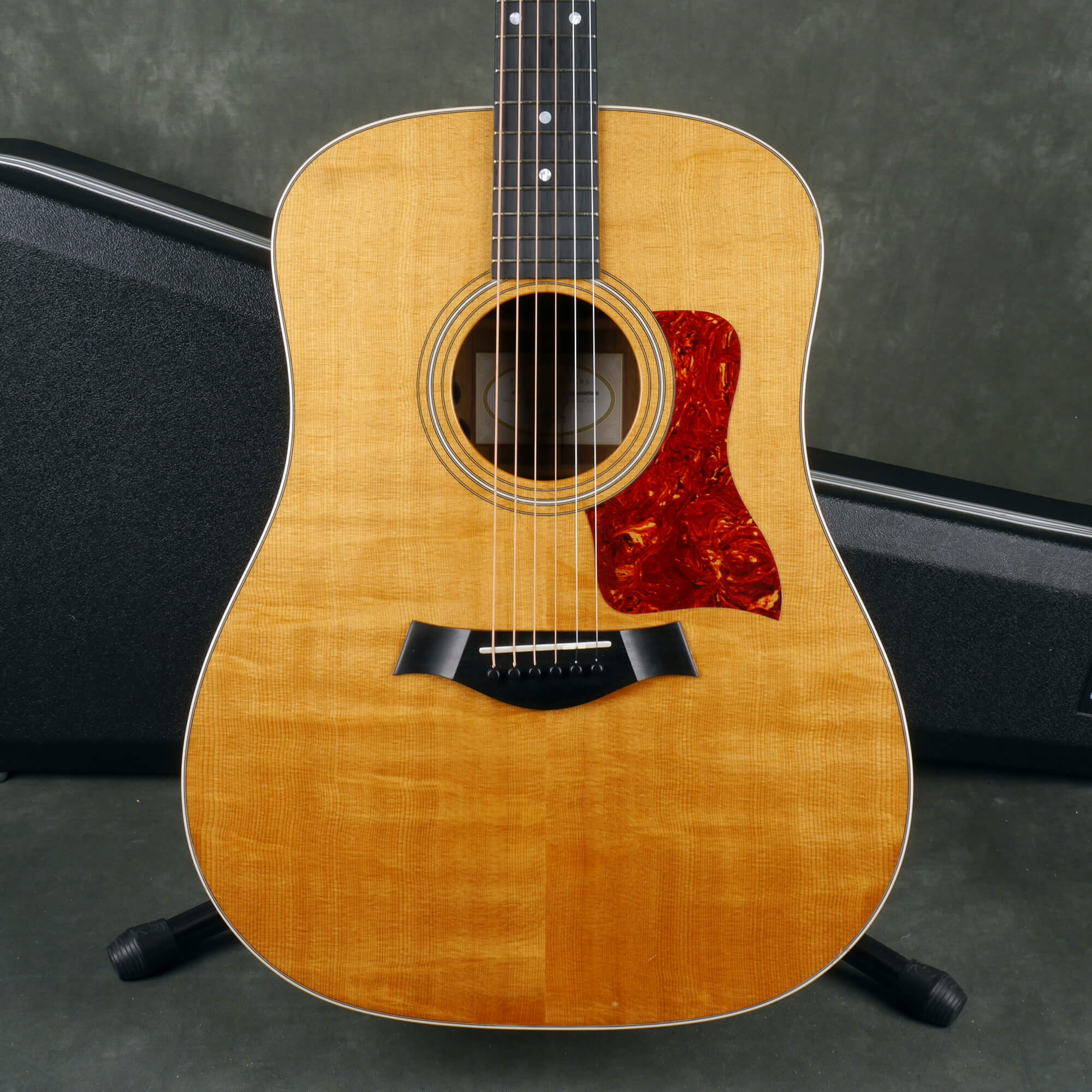 Taylor 410 Acoustic Guitar - Natural w/Hard Case - 2nd Hand