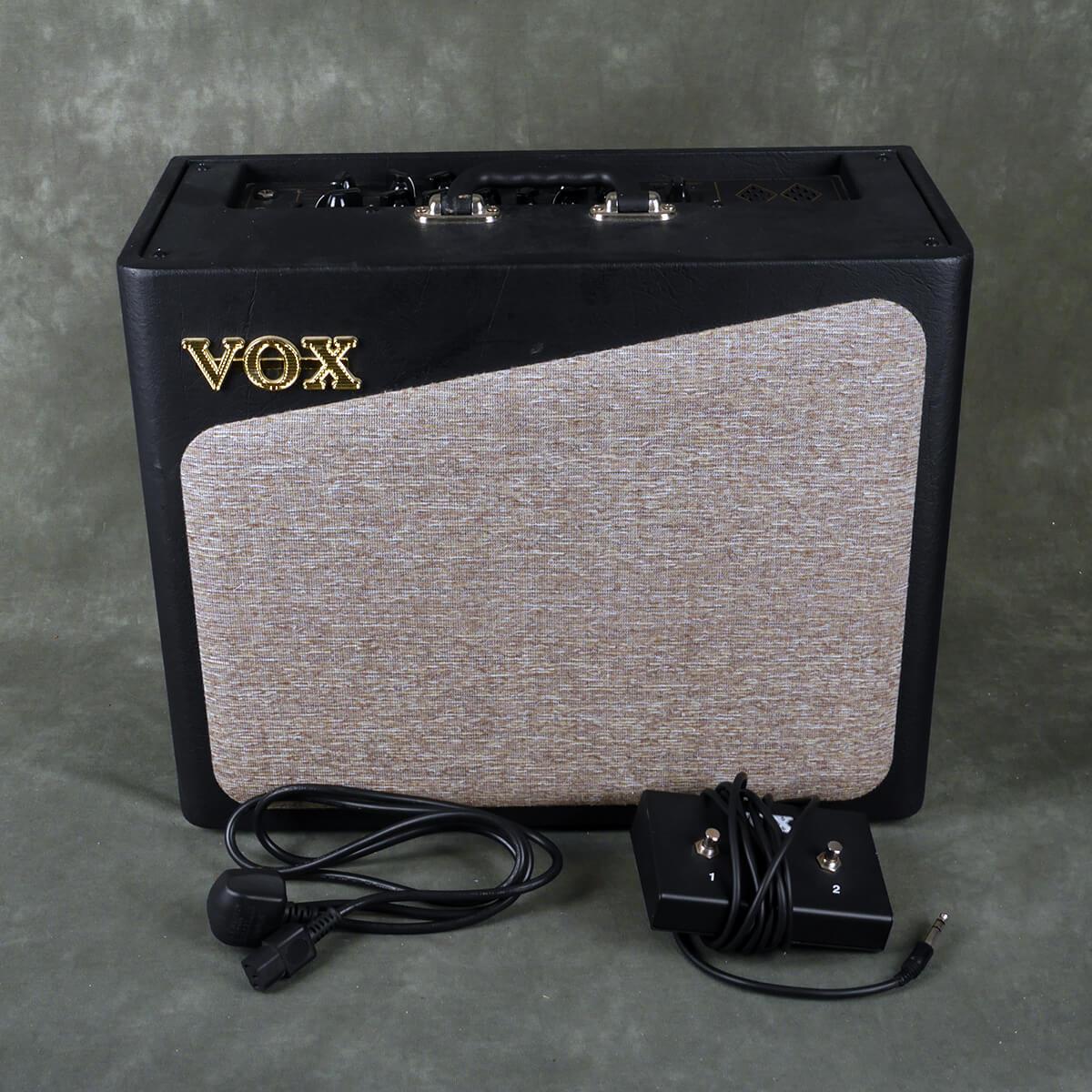 Vox AV30 Combo Amplifier & Footswitch - 2nd Hand