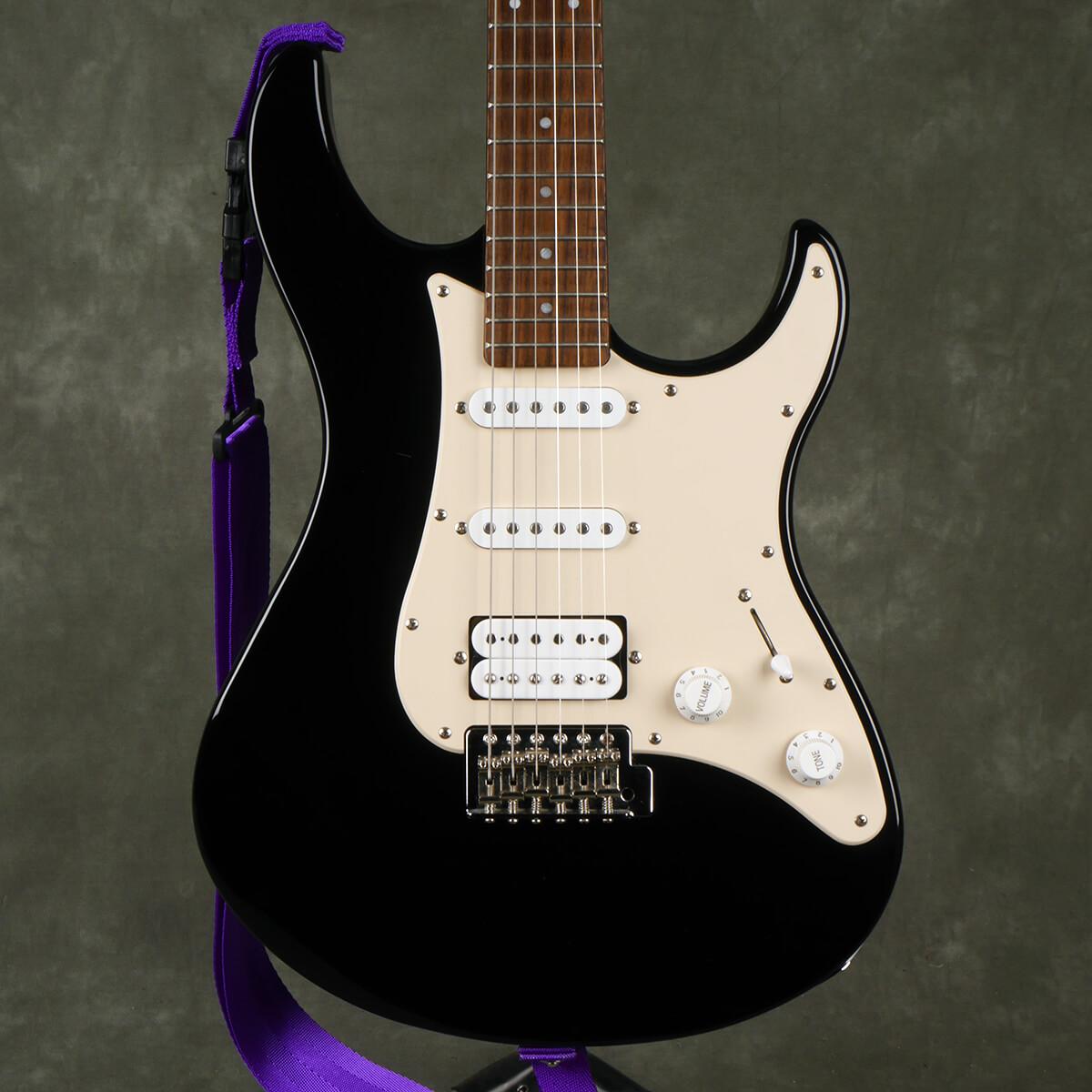 Yamaha Pacifica 112 Electric Guitar - Black - 2nd Hand