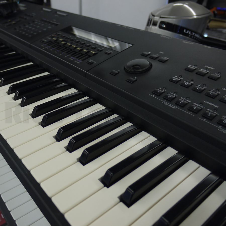 second hand yamaha keyboards rich tone music. Black Bedroom Furniture Sets. Home Design Ideas