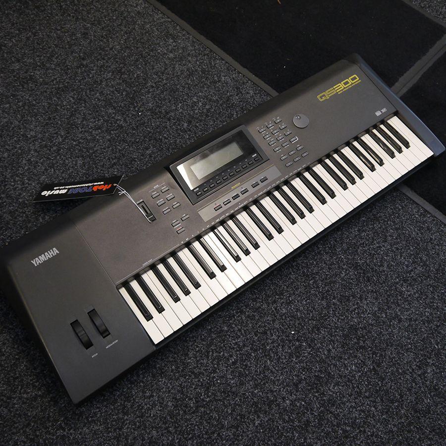 yamaha qs300 workstation keyboard 2nd hand rich tone music. Black Bedroom Furniture Sets. Home Design Ideas