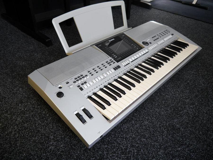 Yamaha psr s900 arranger workstation keyboard silver for Psr s900 yamaha
