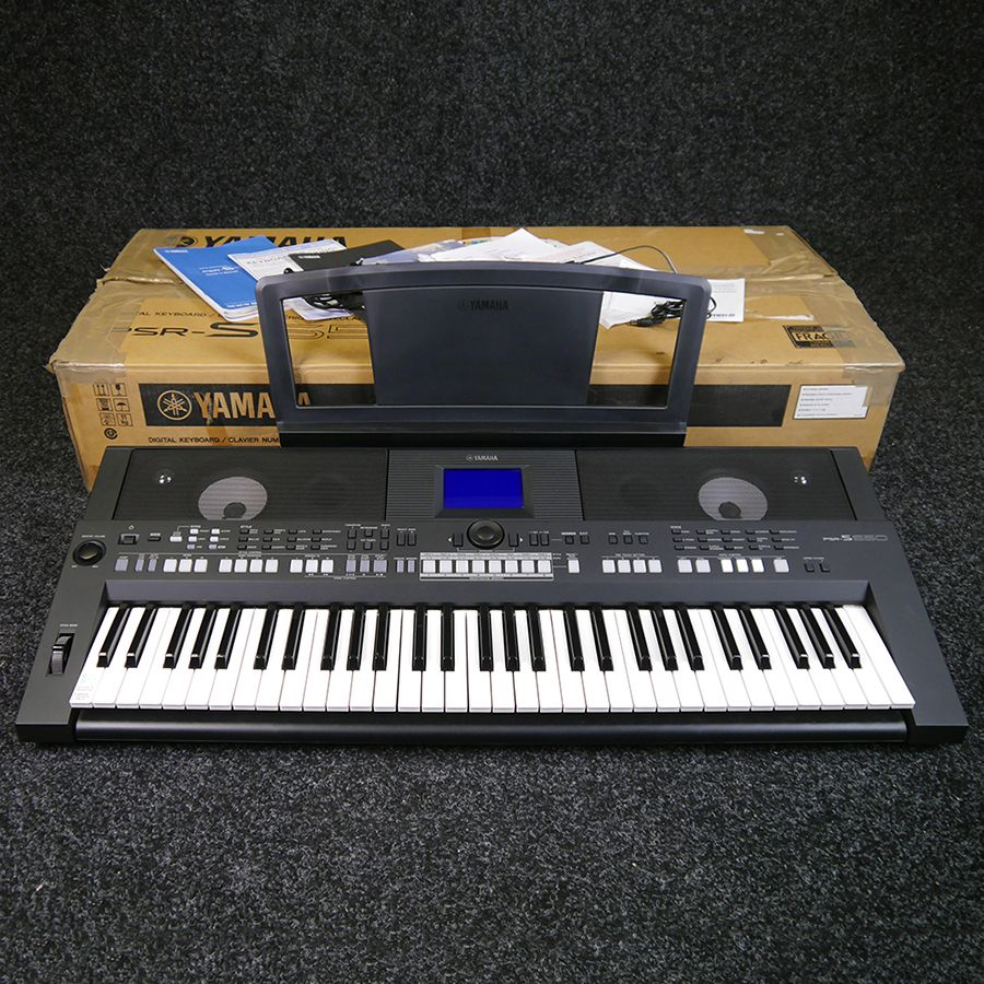 yamaha psr s650 digital workstation keyboard w box 2nd. Black Bedroom Furniture Sets. Home Design Ideas