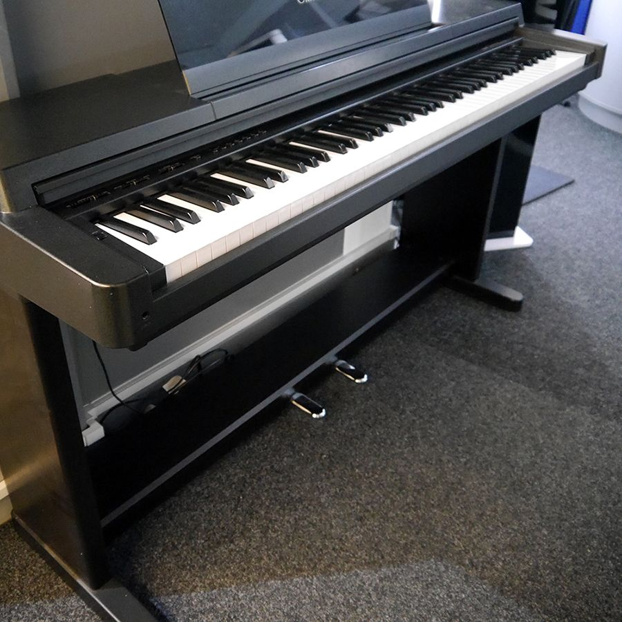 Yamaha clavinova clp 550 digital piano 2nd hand rich for Yamaha clavinova clp 550