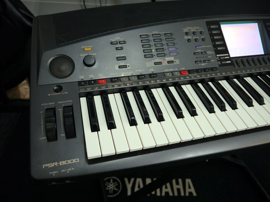 yamaha psr 8000 workstation arranger keyboard no floppy 2nd hand rich tone music. Black Bedroom Furniture Sets. Home Design Ideas