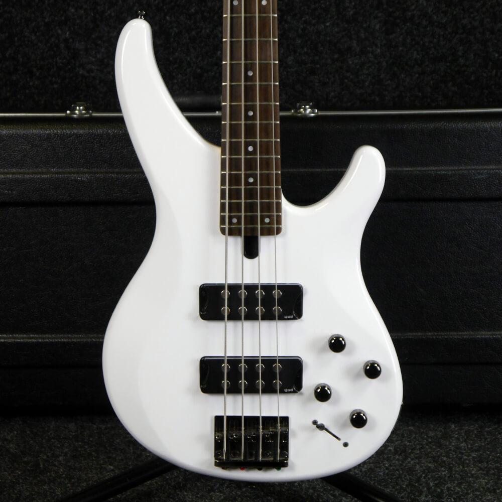 yamaha trbx304 bass guitar white w hard case 2nd hand rich tone music. Black Bedroom Furniture Sets. Home Design Ideas