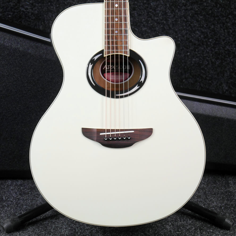 yamaha apx 500 acoustic electric guitar white w hard case 2nd hand rich tone music. Black Bedroom Furniture Sets. Home Design Ideas