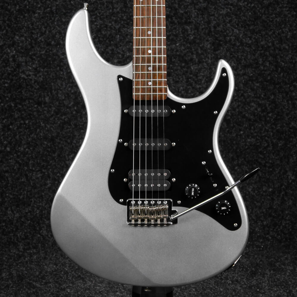 Yamaha Pacifica 112 - Silver - 2nd Hand