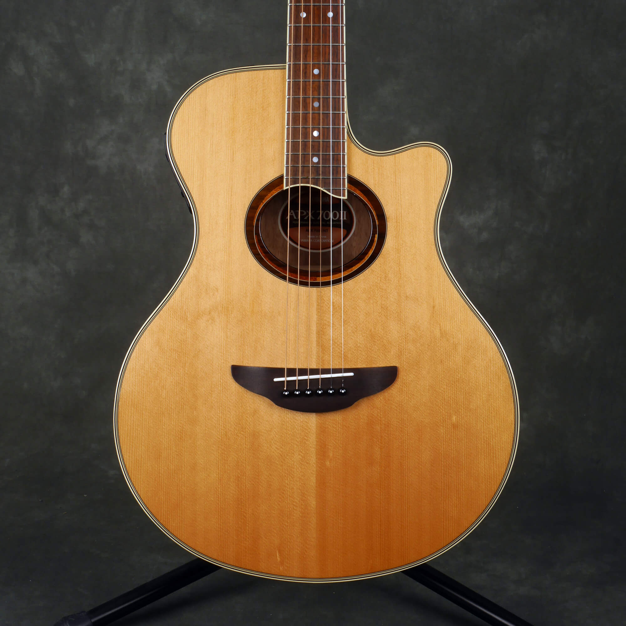 Yamaha APX700II Electro Acoustic - Natural - 2nd Hand