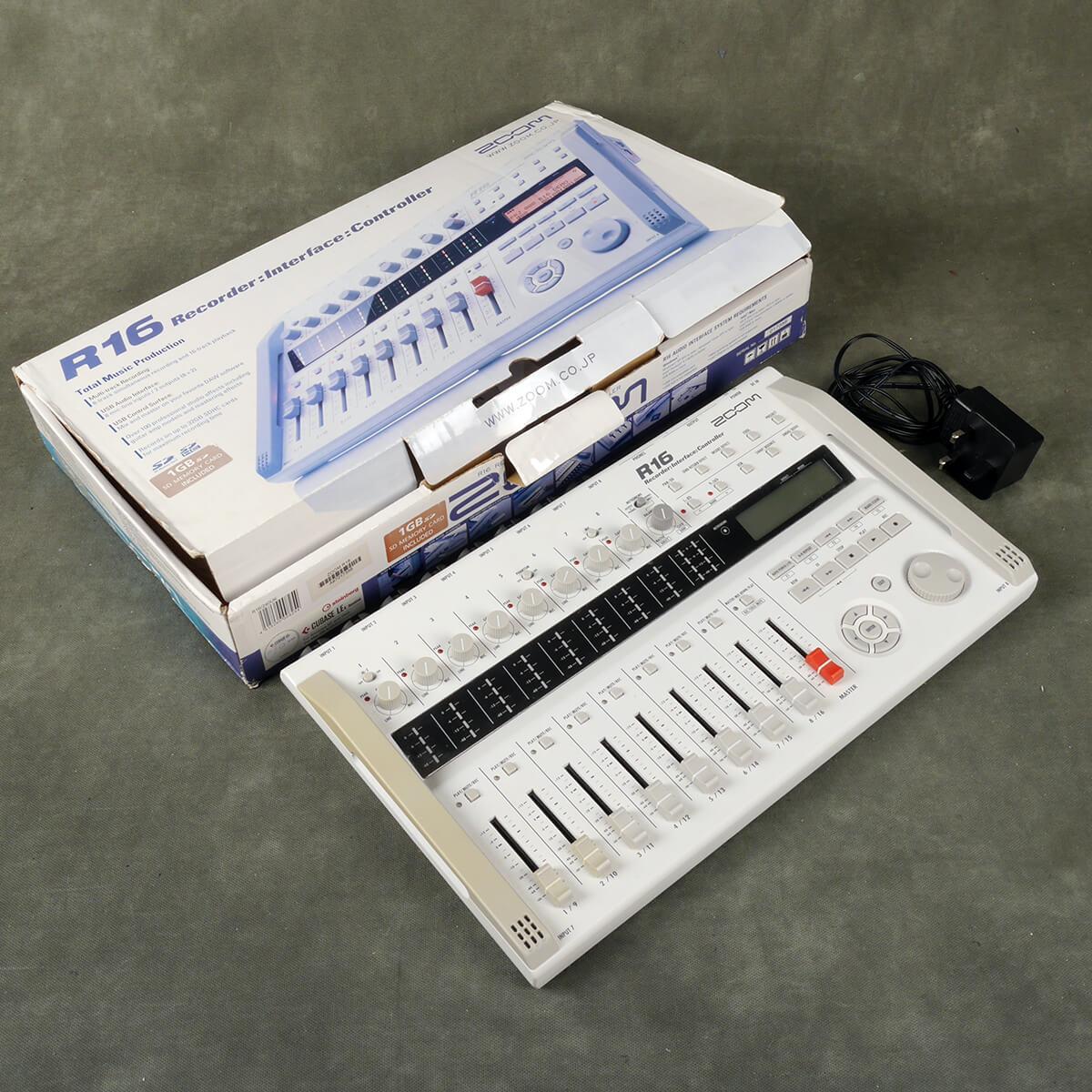 Zoom R16 Multitrack Recorder w/Box & PSU - 2nd Hand
