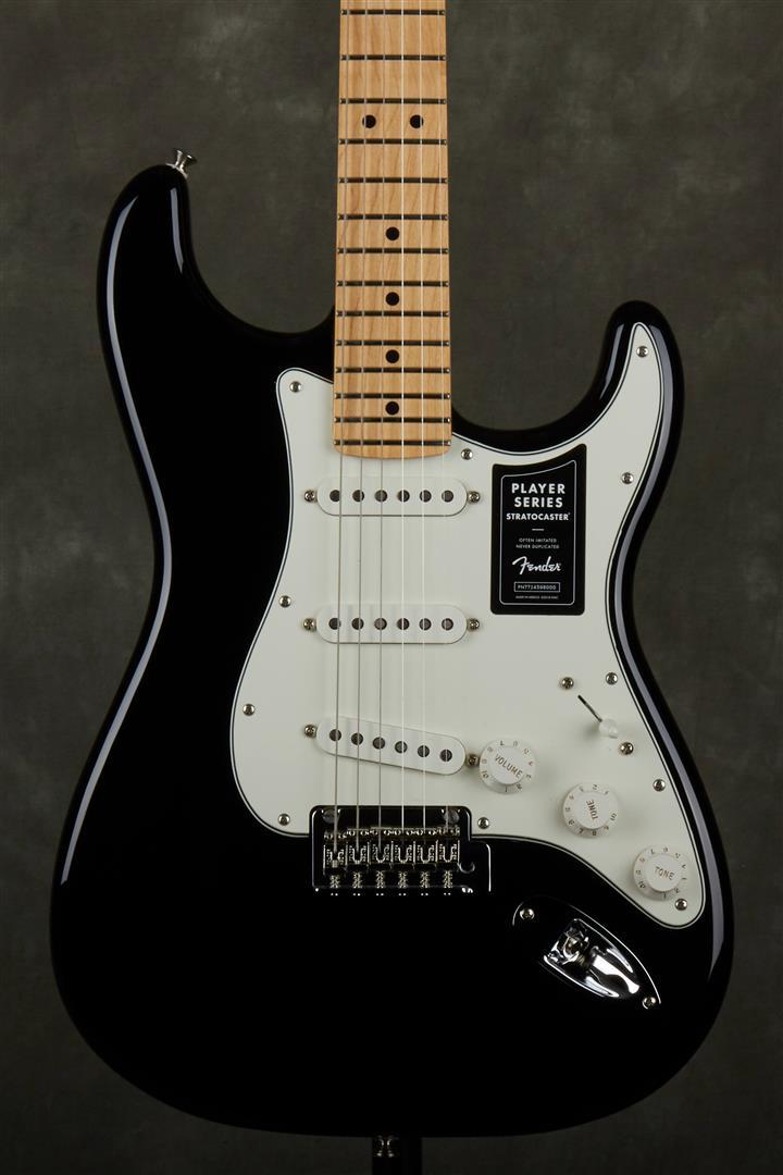 Fender Player Stratocaster - MN - Black