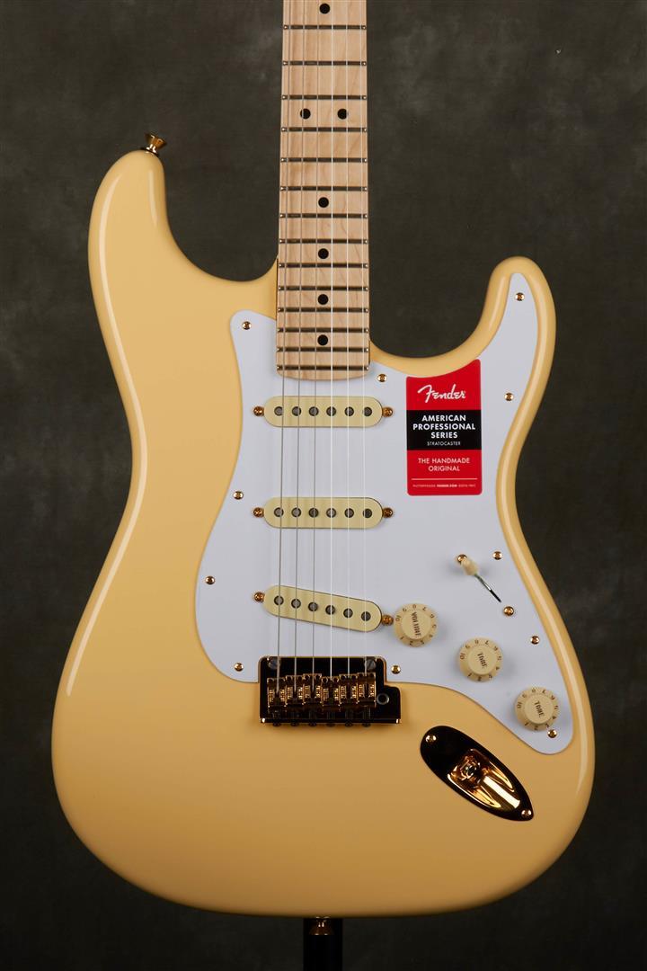 Fender Ltd Ed American Professional Stratocaster - Vintage White - MN